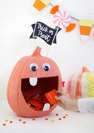Halloween Candy Dishes by Diy Pumpkin Candy Bowl U0026 Diy Halloween Candy Banner Persia Lou