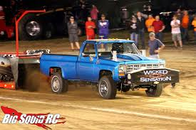 100 Pro Stock Truck Axial SCX10 Pulling Conversion Part One Big Squid