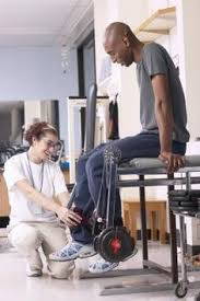 Captains Chair Exercise Youtube by Exercises On A Vertical Knee Raise U0026 Dip Station Power Tower