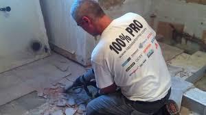 comment enlever colle carrelage casser déposer le carrelage du sol