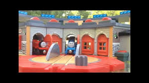 Tidmouth Shed Deluxe Set by Thomas Wooden Railway Review Tidmouth Sheds Youtube