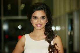Kriti Kharbanda Latest HD Wallpapers
