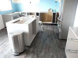 Stainmaster Vinyl Flooring Maintenance by Who Has Vinyl Floors That Look Like Wood Do You Like Them