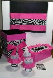 Pink Zebra Accessories For Bedroom by Best 25 Zebra Bathroom Ideas On Pinterest Zebra Print Bathroom
