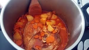 cuisiner rouelle de porc en cocotte minute recette de ragout de rouelle de porc