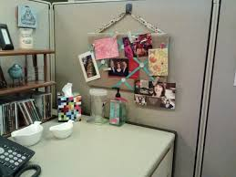 Cute Ways To Decorate Cubicle by 63 Best Cubicle Images On Pinterest Cubicle Ideas Office