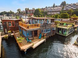 100 Lake Union Houseboat For Sale Seattle Floating Homes 2420 Westlake Ave N 13 Just Listed