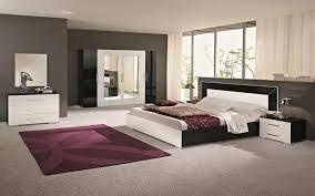 modele de chambre a coucher moderne gallery of chambre moderne avec un sol en carrelage de porcelaine