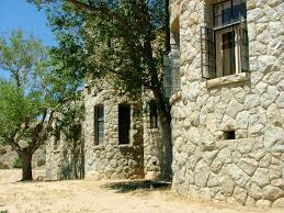 100 Mojave Desert Homes Stone Castle In The Needs A Buyer In Shining Armor