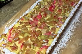 rhabarber cheesecake tarte mit minze und weisser schokolade