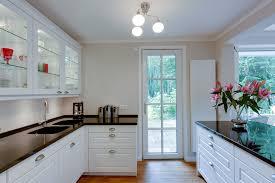 weiße landhausküche im amerikanischen stil ballerina küche