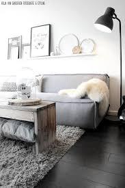 ein wohnzimmer ganz im skandinavischen stil weiß grau