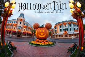 Halloween Theme Park Texas by Kid Friendly Halloween Fun At Amusement Parks