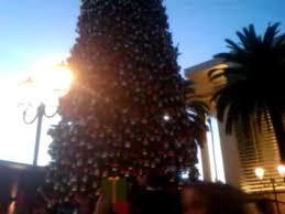 11 28 14 CHRISTMAS TREE LIGHTING FASHION ISLANDNEWPORT BEACH