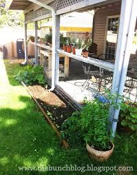 The Bunch Handcraftedstylishly DIY Pallet Veggie Garden Free