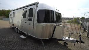 104 22 Airstream For Sale Teuerster Wohnwagen Der Welt International 684 Leder Alu Klima Mover Backofen 130k Youtube