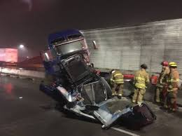 100 Commercial Truck Routes A Semi Crashed Into A Concrete Barrier On I5 In Tacoma Shutting