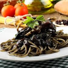 pates encre de seiche recette spaghetti à l encre de seiche facile rapide