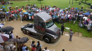 Cummins Beats Tesla To The Punch By Revealing Electric Semi Truck ... Amazing Food Trucks For Super Bowl Goers Roaming Hunger Beauty Contest Iowa 80 Truckstop Proseries Commercial Lawn Truck Intertional Harvester Wikipedia Photo Gallery My Best Img_201809_084542606 Used Countryside Motors Chevrolet Buick Hustler Turf Polaris Videos 2018 Hino 155dc Custom Landscape Irrigation Landscaping