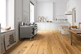 den richtigen küchenboden finden darauf sollten sie achten