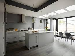 cuisines grises cuisines blanches et grises cuisine blanche mur gris