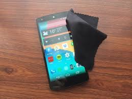 How to Clean Smartphone and puter Screens the Right Way