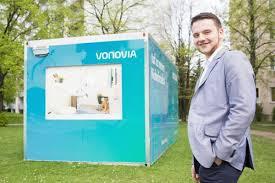 vonovia zieht mit container quer durch die stadt sächsische de