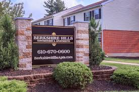 berkshire hills townhomes and apartments rentals sinking spring
