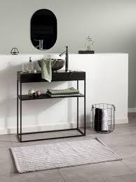 badezimmer schwarz meets pastell badematte badezimmer