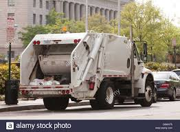 Garbage Truck Stock Photos & Garbage Truck Stock Images - Alamy