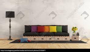 stockfoto 21593871 wohnzimmer mit holzsofa