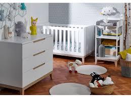 commode chambre bébé chambre bébé avec lit commode et
