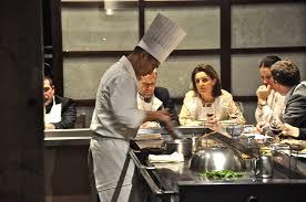 restaurant japonais chef cuisine devant vous benkay l institution japonaise perchée sur le novotel tour eiffel