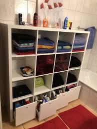 diese geschichte hinter badezimmer regal mit schubladen wird