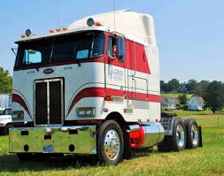 Working-cabover Work In Progress: Owner-operator James Ryan's 1989 ...