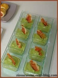 cuisiner des petit pois frais gaspacho de petits pois frais à la menthe en verrines mouillettes