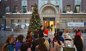 Bellevue Singing Christmas Tree by News Story Unis United Nations International