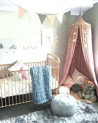 chambre grise et poudré decoration chambre lit bebe deco a 1001 idaces pour chambre
