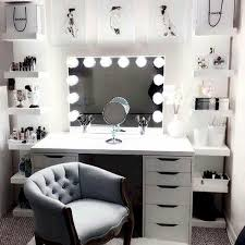 40 Beautiful Make Up Room Ideas In Your Bedroom 29 House8055com