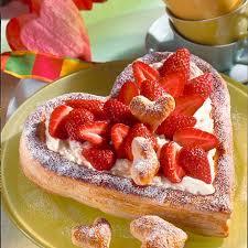 blätterteig herz mit mascarpone und erdbeeren