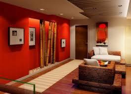 wohnzimmer gestalten rote wand mit bambus wohnidee
