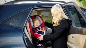 location voiture avec siège bébé la sécurité de votre bébé en voiture autour de mayline de