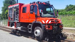100 Unimog Truck New MercedesBenz Corners Like Its On Rails