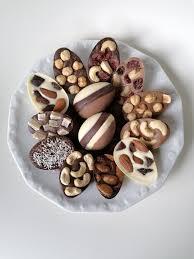 rezept hausgemachte ostereier aus schokolade mit nüssen und