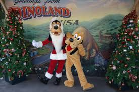 Plutos Christmas Tree by Pluto And Goofy At Dinoland In Animal Kingdom Kennythepirate Com
