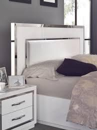 chambre adulte design blanc chambre à coucher complète design blanc laqué brillance