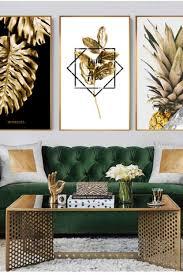 wohninspiration leinwand malerei goldene ananas monstera