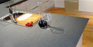 plan travail cuisine quartz cuisine plan de travail de cuisine moderne clair en quartz