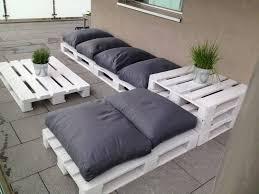 canapé en palette de bois meuble en palette 81 idées diy pour votre espace maison