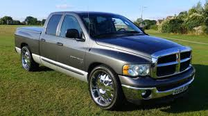 2 Minute Car Reviews! 2003 Dodge RAM 1500 - YouTube